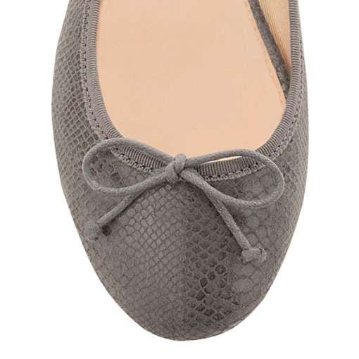 House of ballerinas Juliette Grey